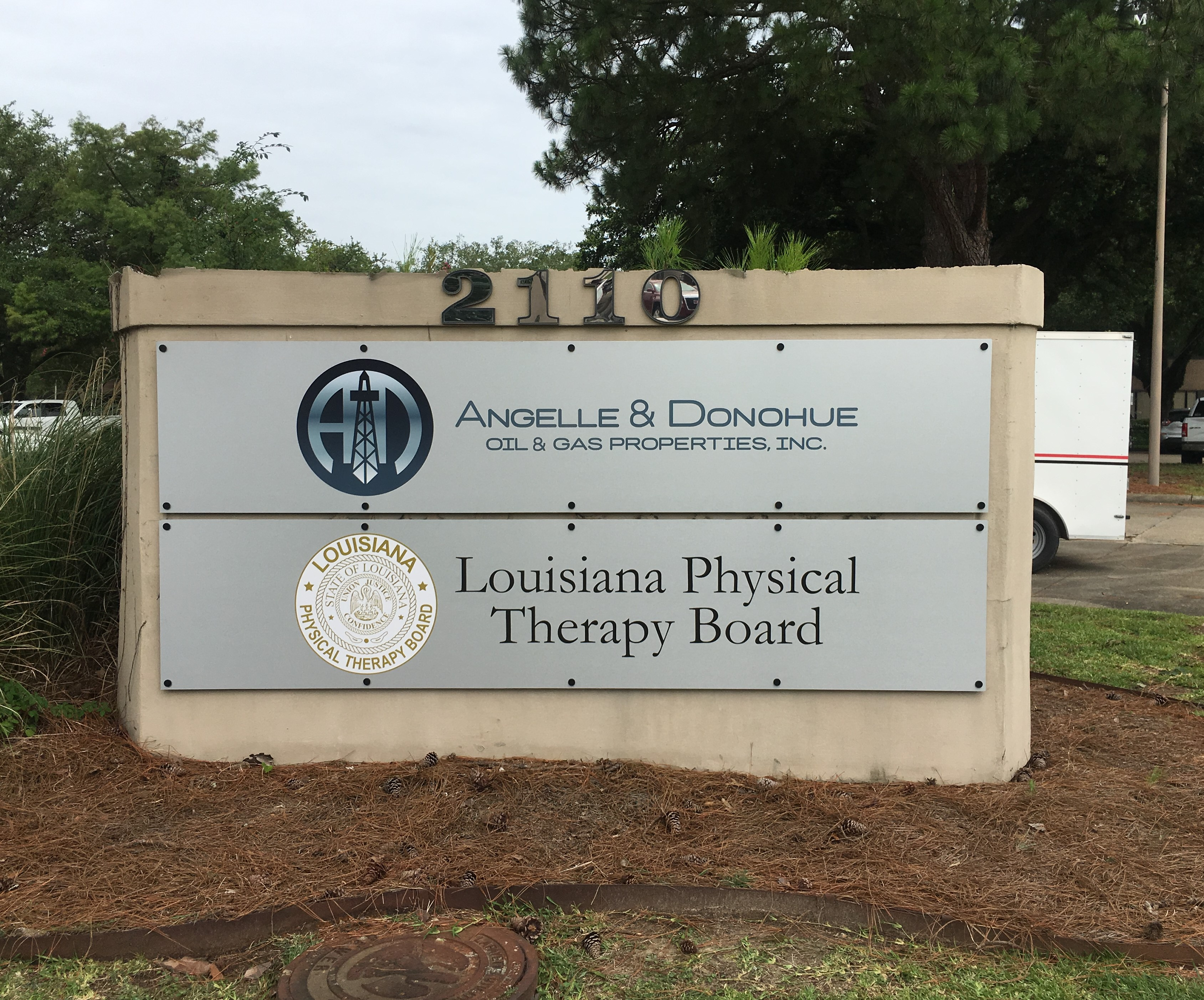 LA Physical Therapy Board Sign